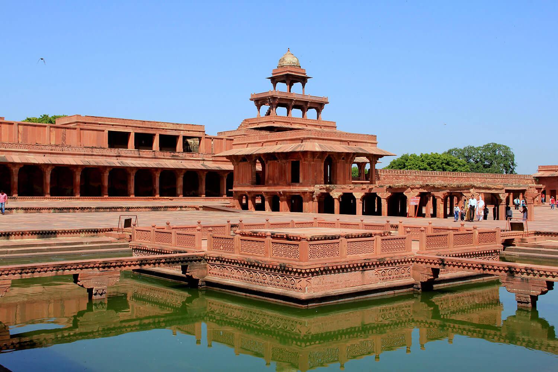 fatehpur-sikri-agra.jpg