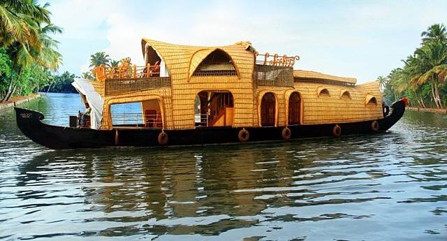 Alleppey-Houseboats.jpg