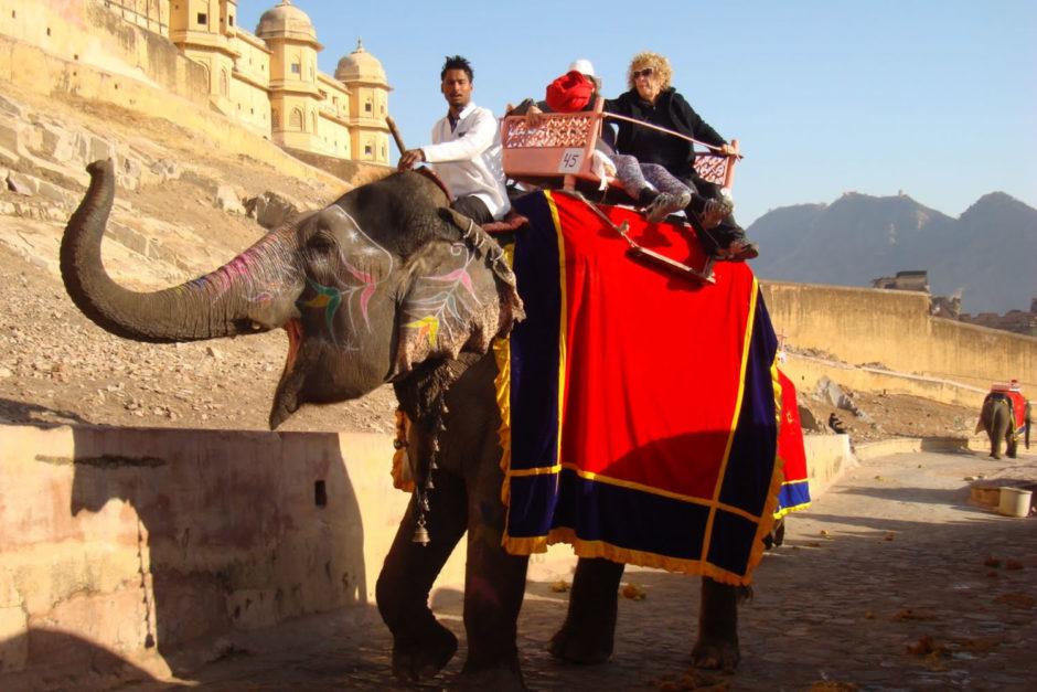 elephant-ride-amer-fort-jaipur.jpg
